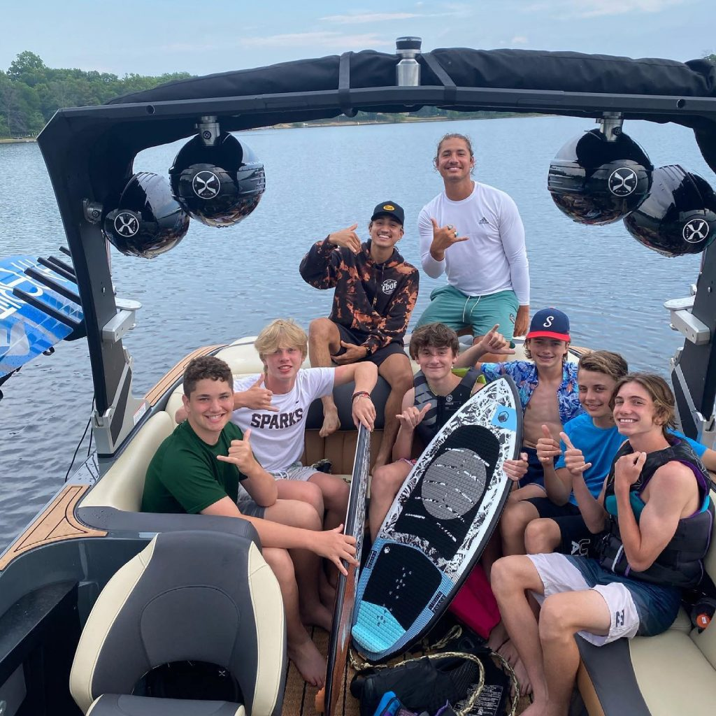 Tips For First Time Wakesurfers